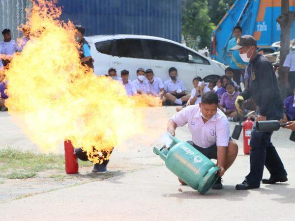 ฝึกอบรมการป้องกันและระงับอัคคีภัยในเขตเทศบาลตำบลปลายบาง ประจำปีงบประมาณ พ.ศ.2563 โรงเรียนเทศบาลปลายบางวัดสิงห์(แจ่มชื่นวิทยาคม)