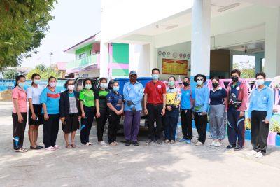 การดำเนินการฉีดน้ำยาฆ่าเชื้อ เพื่อเป็นการป้องกันการแพร่ระบาดของ COVID-19 โรงเรียนในเขตเทศบาลตำบลปลายบาง